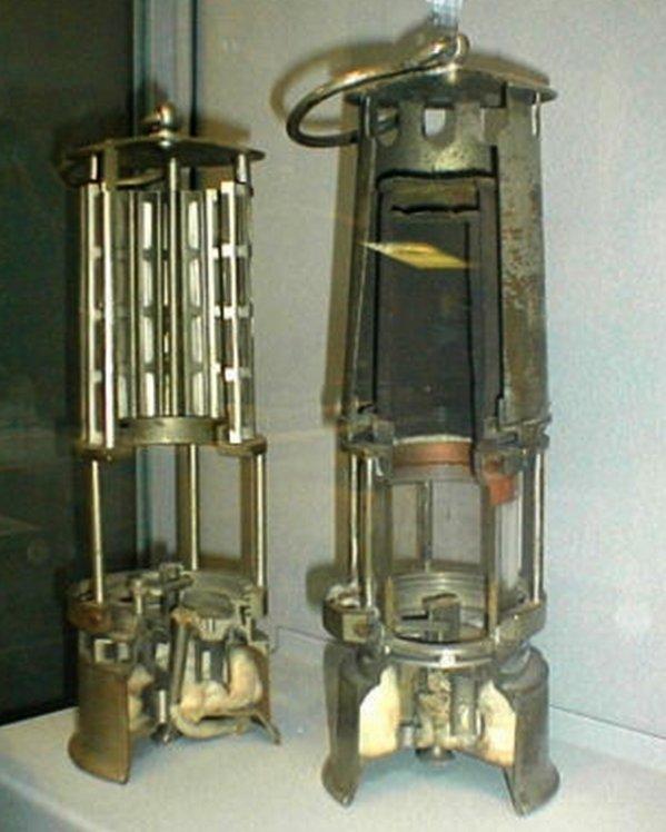 autopsie d 39 une lampe de mineur wolf toute une. Black Bedroom Furniture Sets. Home Design Ideas