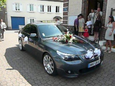wedding planner comment decorer une voiture pour mariage. Black Bedroom Furniture Sets. Home Design Ideas
