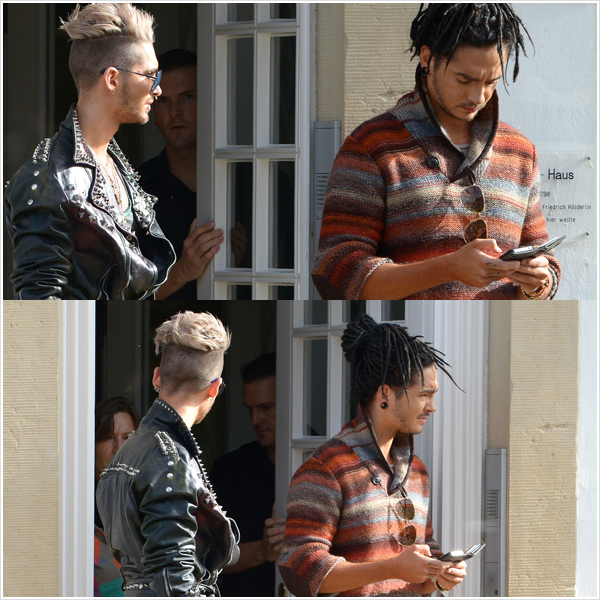 8 051 / 19.10.2012 - Bill & Tom quittant leur h�tel � Bad Driburg (Allemagne).