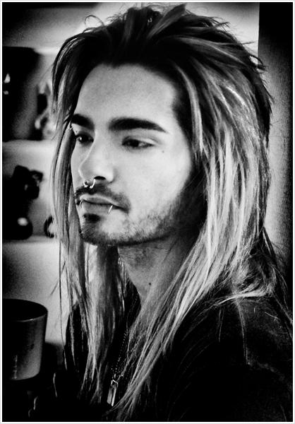 8 289 / Facebook / Tokio Hotel.