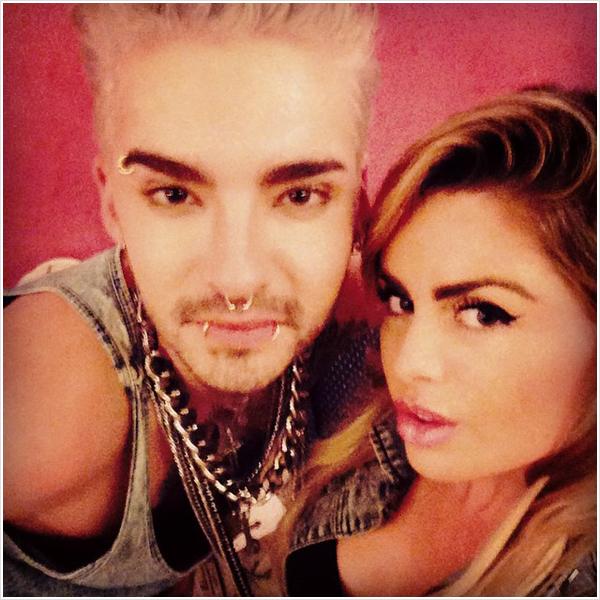 8 612 / 13.09.2014 - Bill avec une figurante sur le tournage du 3�me clip, Los Angeles (USA).