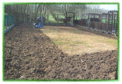 preparation de la terre pour la pelouse ronny et vero. Black Bedroom Furniture Sets. Home Design Ideas