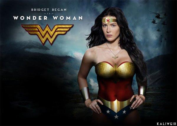 ******* :D Le tenue de la nouvelle Wonder Woman a provoqu� le courroux de la presse am�ricaine. :-# *******