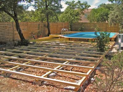 La terrasse suite construction d 39 une piscine bois for Construction piscine bois