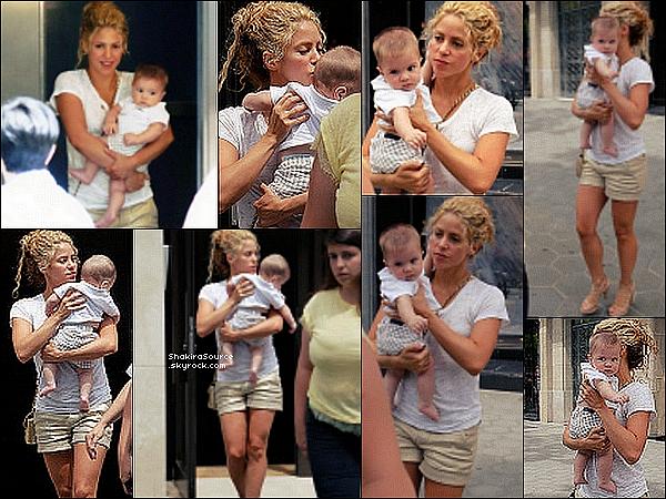 Shakira est all e d ner au restaurant avec des amis for Diner avec des amis