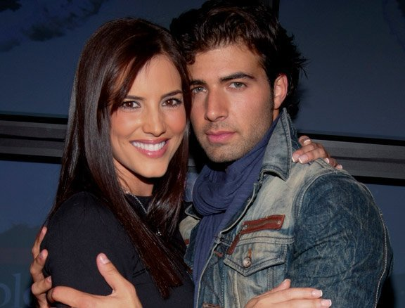 Jencarlos Canela couple