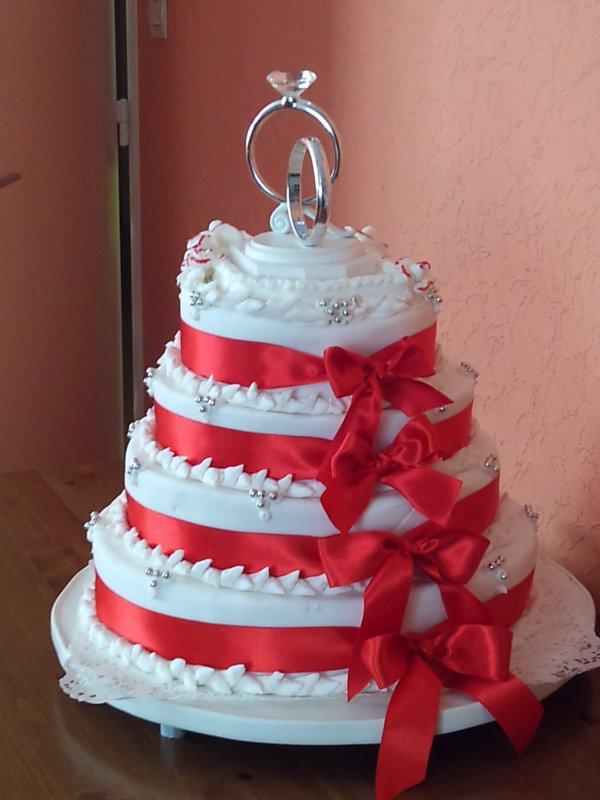 Image Wedding Cake Rouge Et Blanc