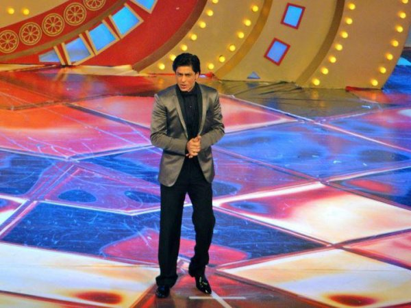 Shah Rukh & Priyanka hosting the Zee Cine Awards 2012, 21 Jan.