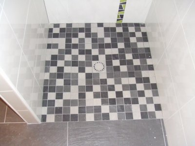 Receveur de douche en carrelage antiderapant for Carrelage douche antiderapant