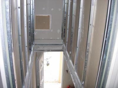 Placo tage cage escalier notre maison mikit - Habillage cage escalier ...