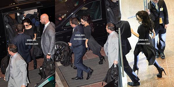 23.08.2014 - Lady Gaga se rend � la Rod Laver Arena pour son show toujours � Melbourne. Gros TOP!   Une tenue assez simple pour Lady Gaga. Niveau cheveux: un top aussi. On dirait Gaga en 2007. Que pensez vous de �a tenue?