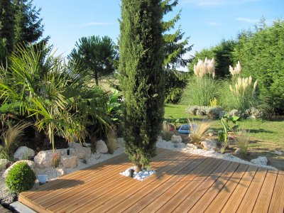 Terrasse bois gravier blanc for Terrasse avec cailloux