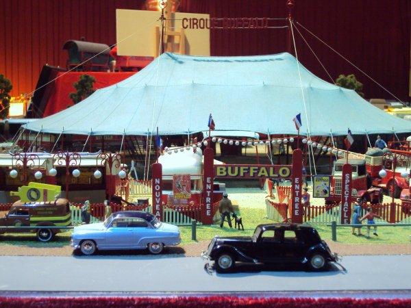 salon de la maquette de cirque a paris au cirque d 39 hiver bouglione cirque. Black Bedroom Furniture Sets. Home Design Ideas