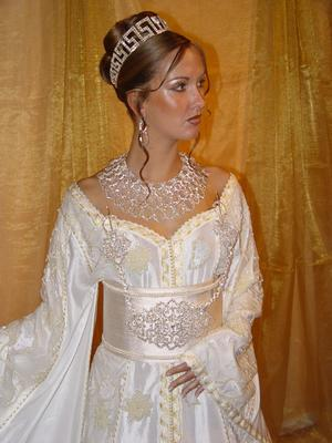robe mari princesse marocaine robes pour mariage rebeu tenue. Black Bedroom Furniture Sets. Home Design Ideas