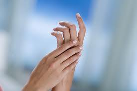 comment reparer des mains tres abimees