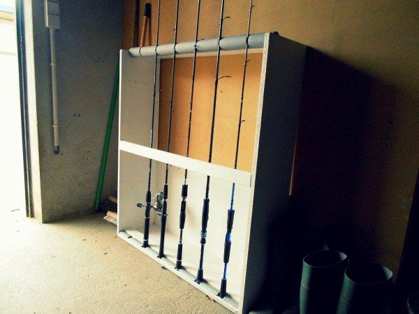 Fabriquer une armoire canne fishing powaa - Armoire pour canne a peche ...