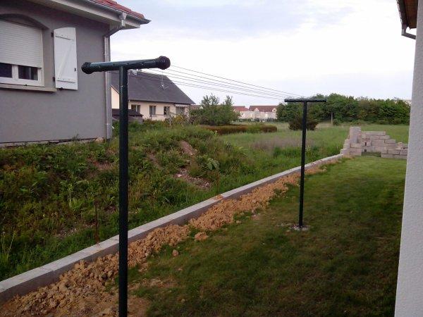d but construction abri de jardin mise en place tendoir. Black Bedroom Furniture Sets. Home Design Ideas