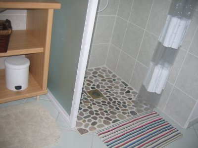 Salle de bain avec machine laver et s choir gite - Salle de bain avec machine a laver ...