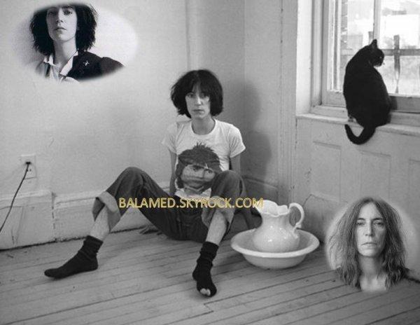 Patti Smith, Chanteuse est po�te Portant un T-Shirt qui ressemble � Daniel Balavoine.