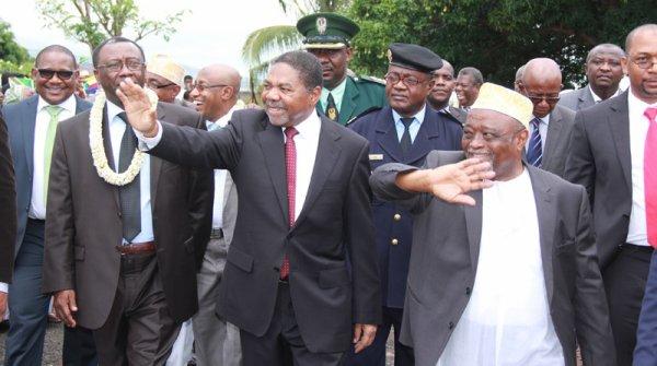 Le vice-pr�sident aux Finances accueille le pr�sident de Zanzibar La pire exp�rience sexuelle de B�reng�re Krief (Potins.net)