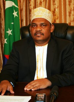 «Le Comorien d'Al-Qaïda»pourquoi vendre sa nationalité ? quelle betise !!!!