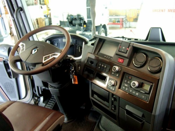 Blog de magnum31gb page 279 camions d 39 antan et for Renault range t interieur