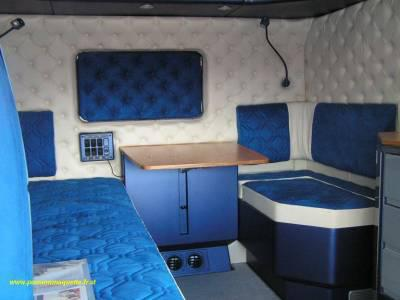 Voila l interieure d un scania grande cabine gaylord for Interieur camion scania