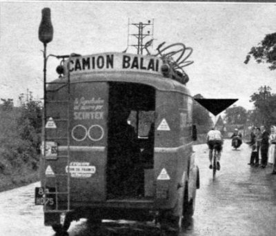 voiture balai tour de france 1961 blog de pub qui roule. Black Bedroom Furniture Sets. Home Design Ideas