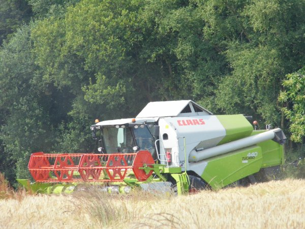 moisson 2013 claas tucano 440 coupe repliable tracteur claas axion remorque rolland