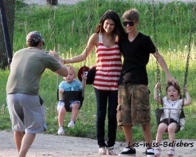Justin toronto avec selena gomez et sa famille ta source n 1 sur justin b - Selena gomez et sa famille ...