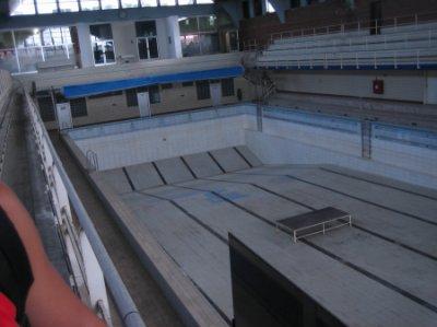 La piscine abandonn e insolites etranges reels for Piscine abandonnee