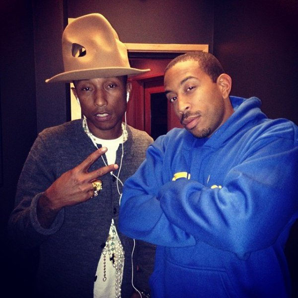 Pharrell en studio avec ... - 21 avril 2014