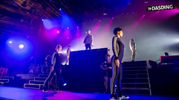 Pharrell and The Baes - The Dear G  I  R  L Tour - Schleyer-Halle - Stuttgart - 28 septembre 2014