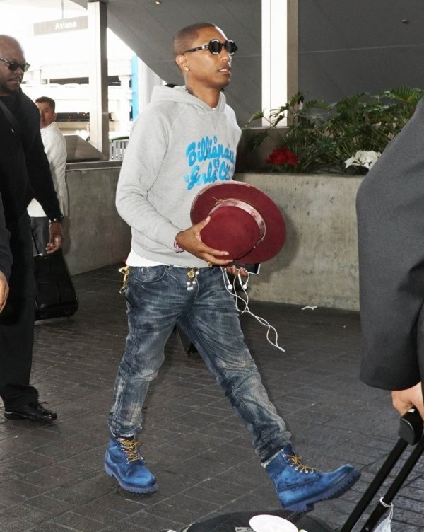 Pharrell & Helen - LAX Airport - Los Angeles - 20 novembre 2014