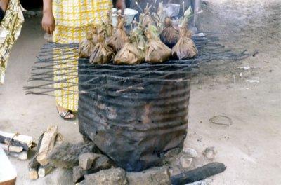 LIBOKE ou MABOKE : Symbole de la Cuisine Congolaise