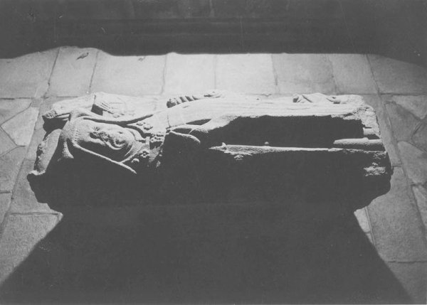 tombeau (gisant) d'un abbé de Beaulieu