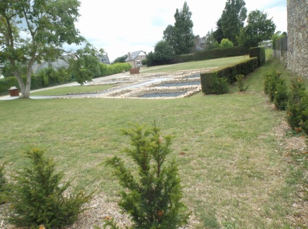 La villa du clos mulon corseul poudouvre for Jardin villa antonine beziers