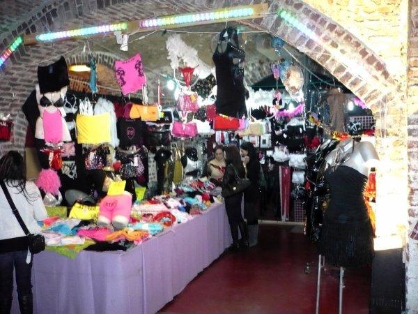 Festival international de l 39 erotisme de bruxelles 2014 for Salon erotisme belgique
