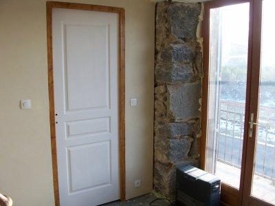 Porte chambre antoine la grande aventure r nover notre for Dimension porte de chambre