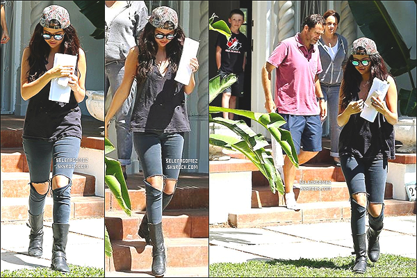 # 26/07/14 - Selena Gomez sortant d'un cours de com�die � Los Angeles en Californie  #