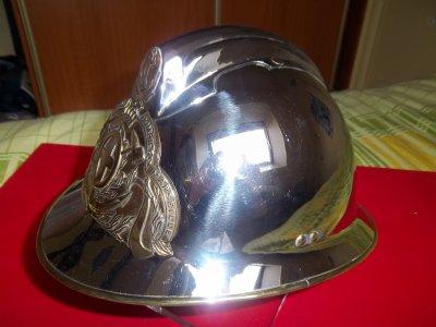 ami collectionneur mars 2014 incroyable mais vrai echange casque du bataillon de marins pompiers. Black Bedroom Furniture Sets. Home Design Ideas