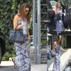 Lea Michele aper�ue pres d'un salon de beaut�. On aime sa tenue? ( mercredi (30 Juillet) � Los Feliz, en Californie)