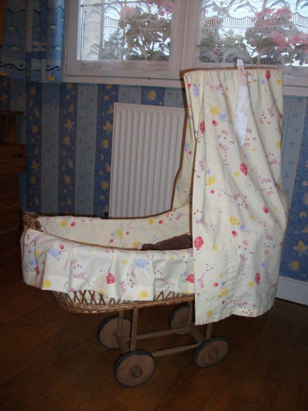 mes bricolages de l 39 t 2011 le couffin en osier et la chaise en bois la nurserie de mes r ves. Black Bedroom Furniture Sets. Home Design Ideas