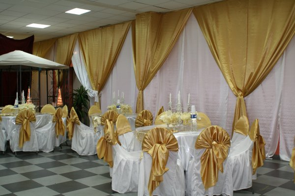 Decoration Salle De Mariage Blanc Et Dore : Decoration de salle couleur dore mariage royal