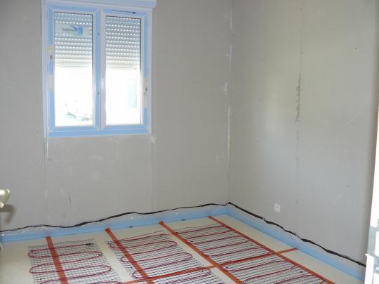 chambre finie avec chauffage au sol electrique notre maison. Black Bedroom Furniture Sets. Home Design Ideas