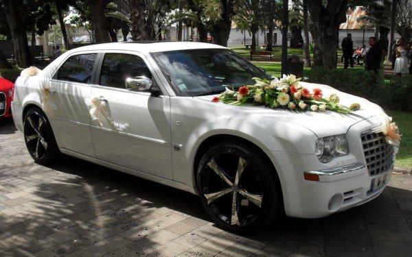 ... 300c Voiture de luxe à la Réunion POUR MARIAGE CONTACT 0692 54 93 58