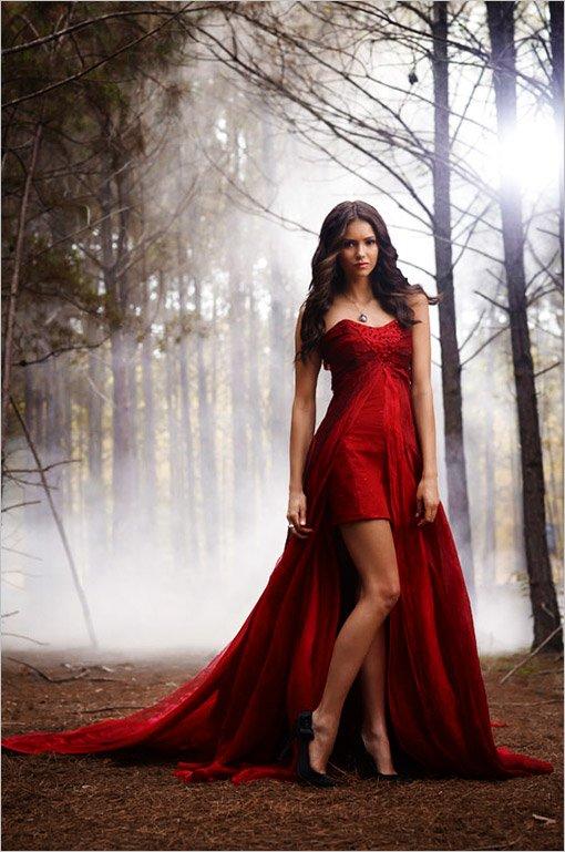 Résultat d'images pour Elena Salvator robe