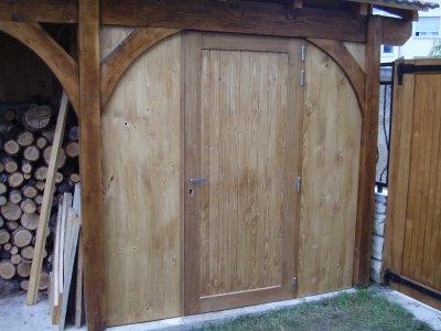 Pose d 39 une porte de cabanon blog de formationbois for Porte cabanon bois