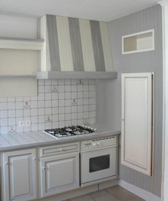 Cuisine relook e amphora artisan meubles peints for Meuble repeint en gris