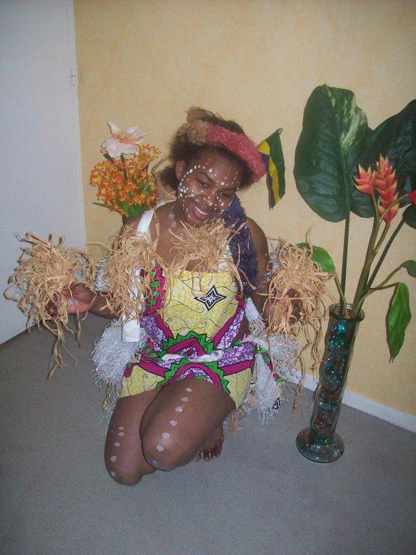 en tenue traditionnelle africaine gabonaise jessi jess. Black Bedroom Furniture Sets. Home Design Ideas